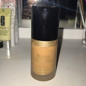 TOO FACED BORN THIS WAY FOUNDATION  IN WARM SAND